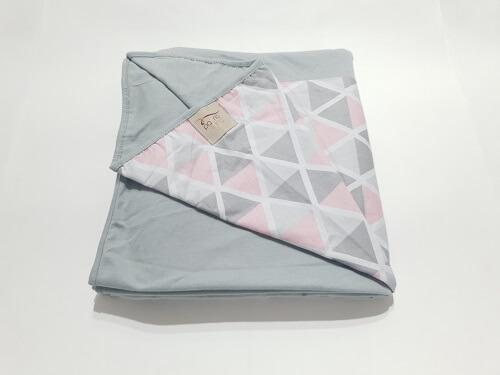 Wrap Sling Cinza Triangulos Rosa
